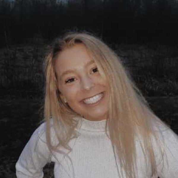 Ava Schmidt