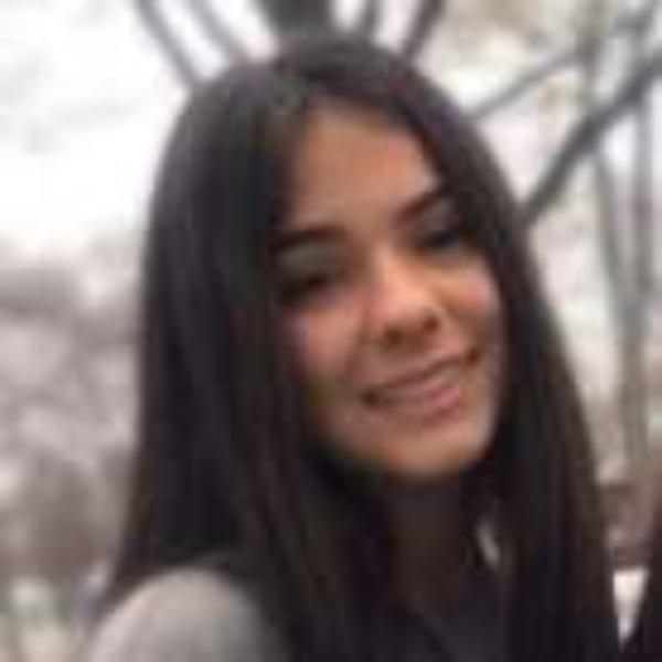 Alyvia Sanom